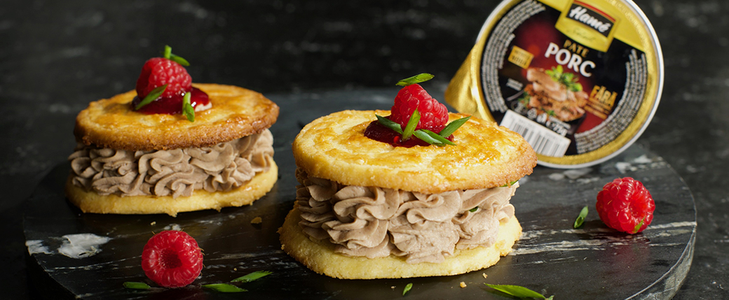 2.Parfait de porc cu cu biscuite crocant și gem de zmeură